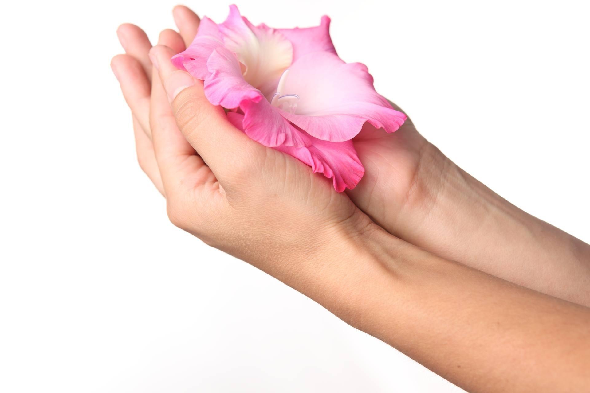 Как омолаживать руки в домашних условиях
