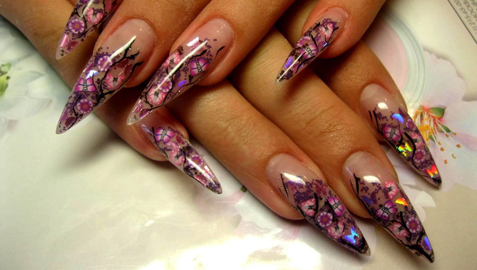 Фото красивого дизайна наращивания ногтей