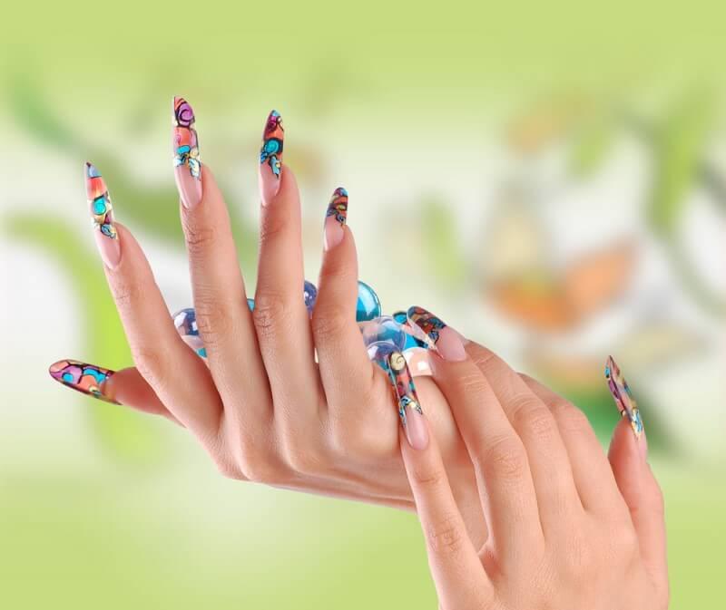 Наращивание ногтей недорого