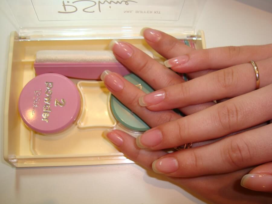Полировка ногтей воском