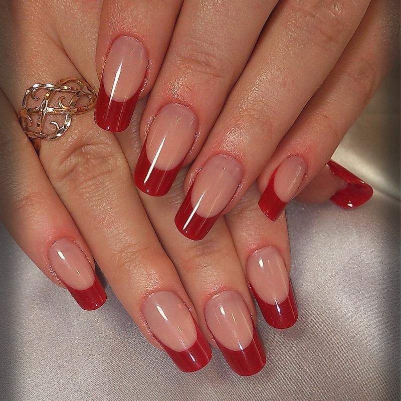 Ногти френч: цветной нарощенный маникюр