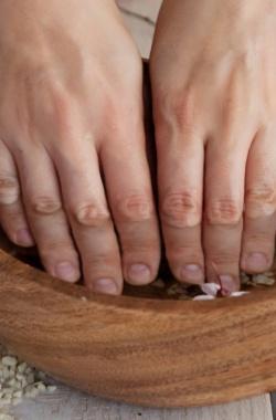 Ванночки для роста ногтей