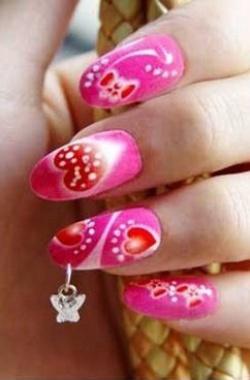 Рисунки на ногтях с пирсингом