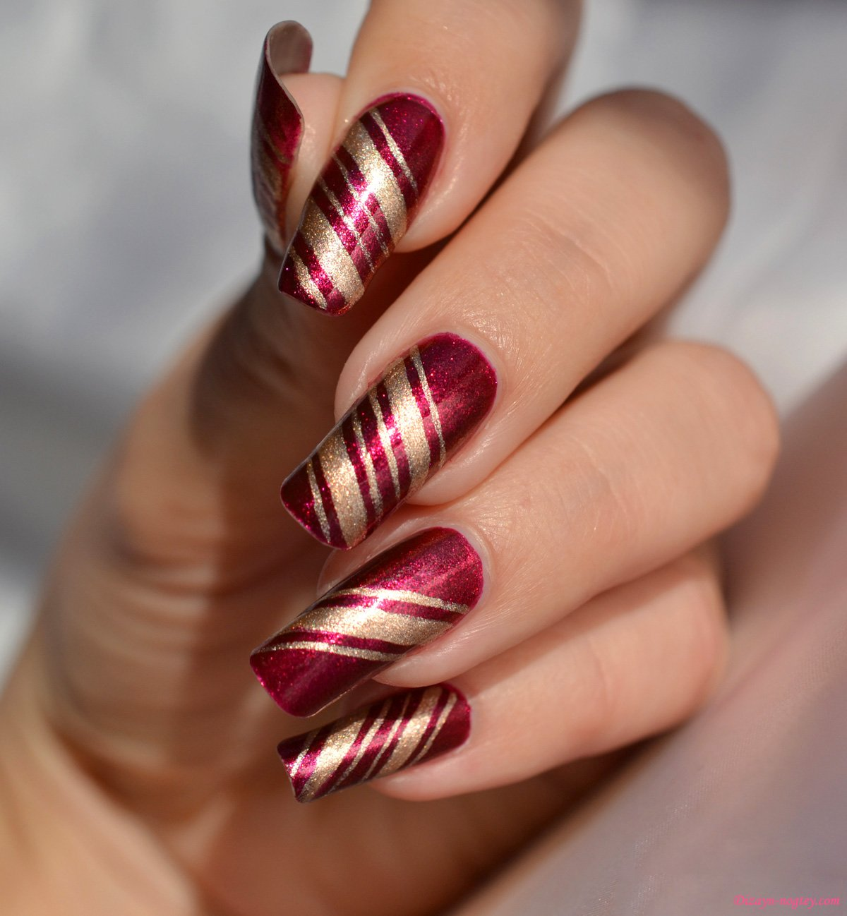 Дизайн новогодних нарощенных ногтей 2018 77