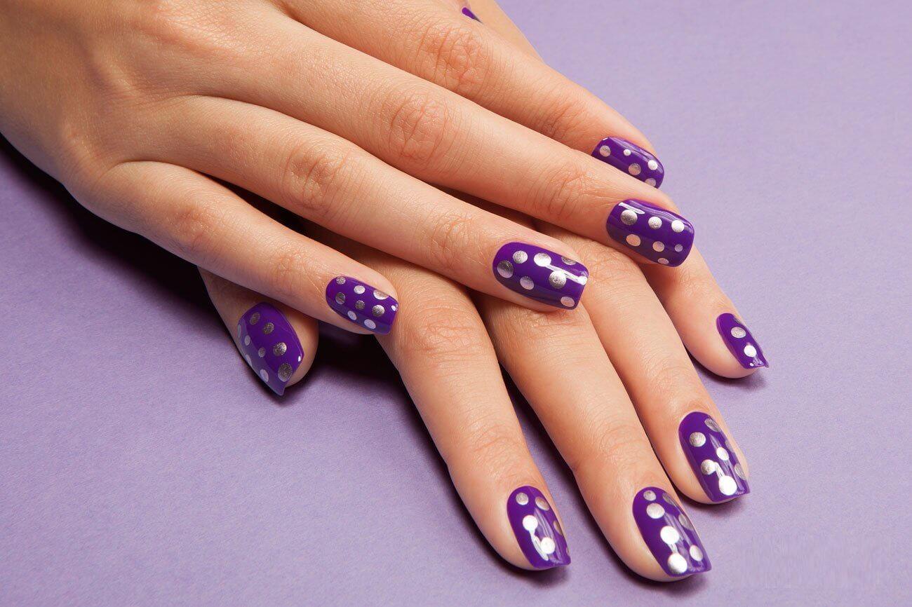 Фиолетовый дизайн ногтей новинки