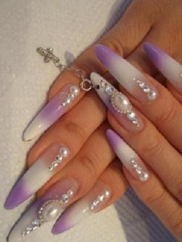 украшение ногтей с камнем