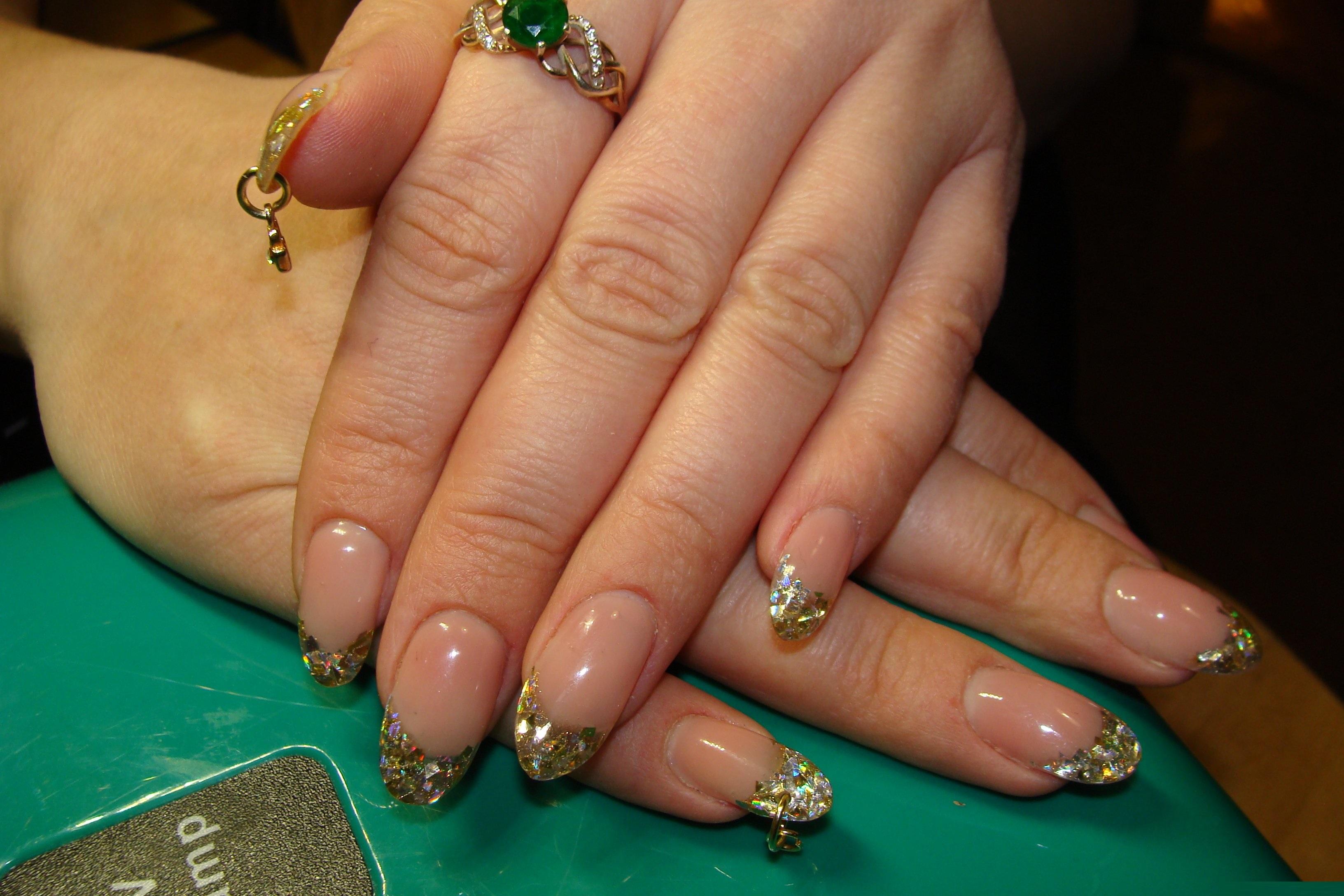 Сережки на ногтях фото