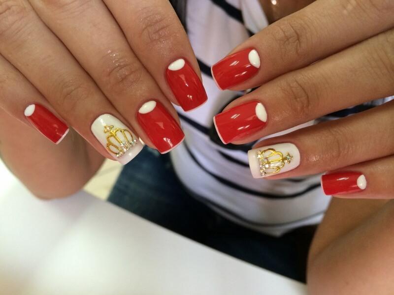 Маникюр красный с золотым: техника росписи