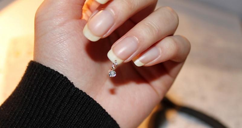 пирсинг на натуральных ногтях