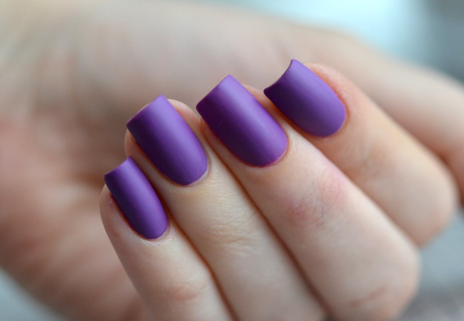 Фото матового лака для ногтей