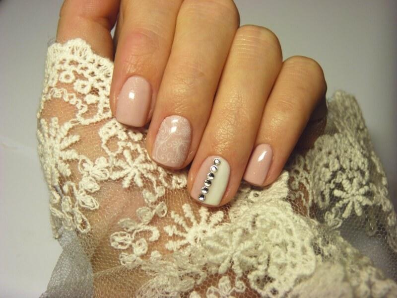 Пастельный свадебный маникюр