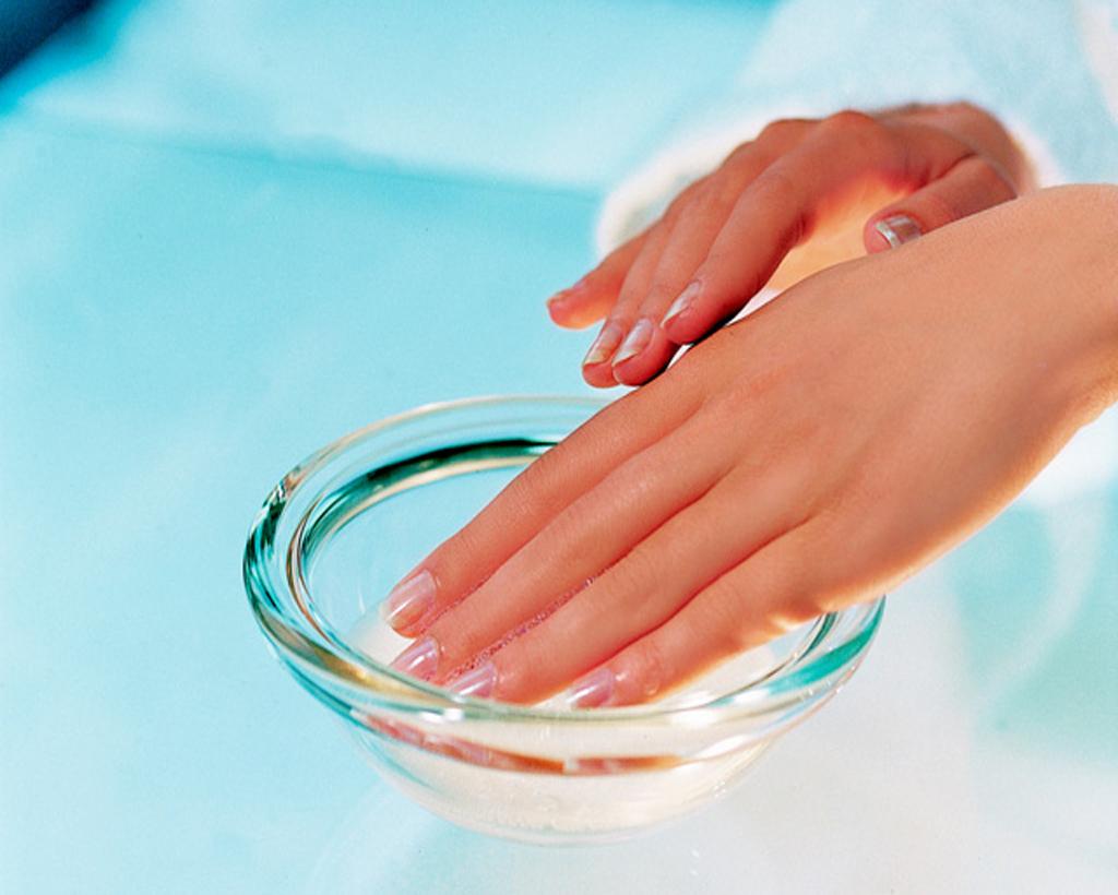 Из чего сделать ванночку для ногтей в домашних условиях 934