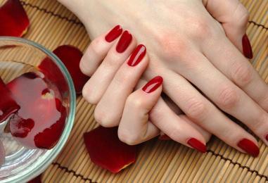 Парафинотерапия для нарощенных ногтей