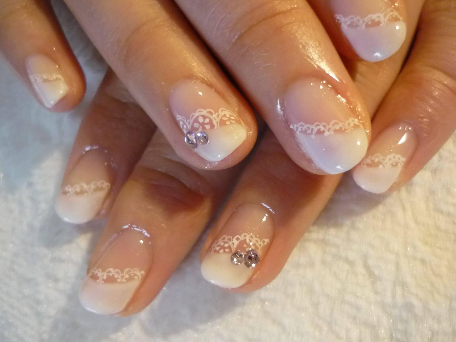 Свадебный маникюр френч фото на коротких ногтях