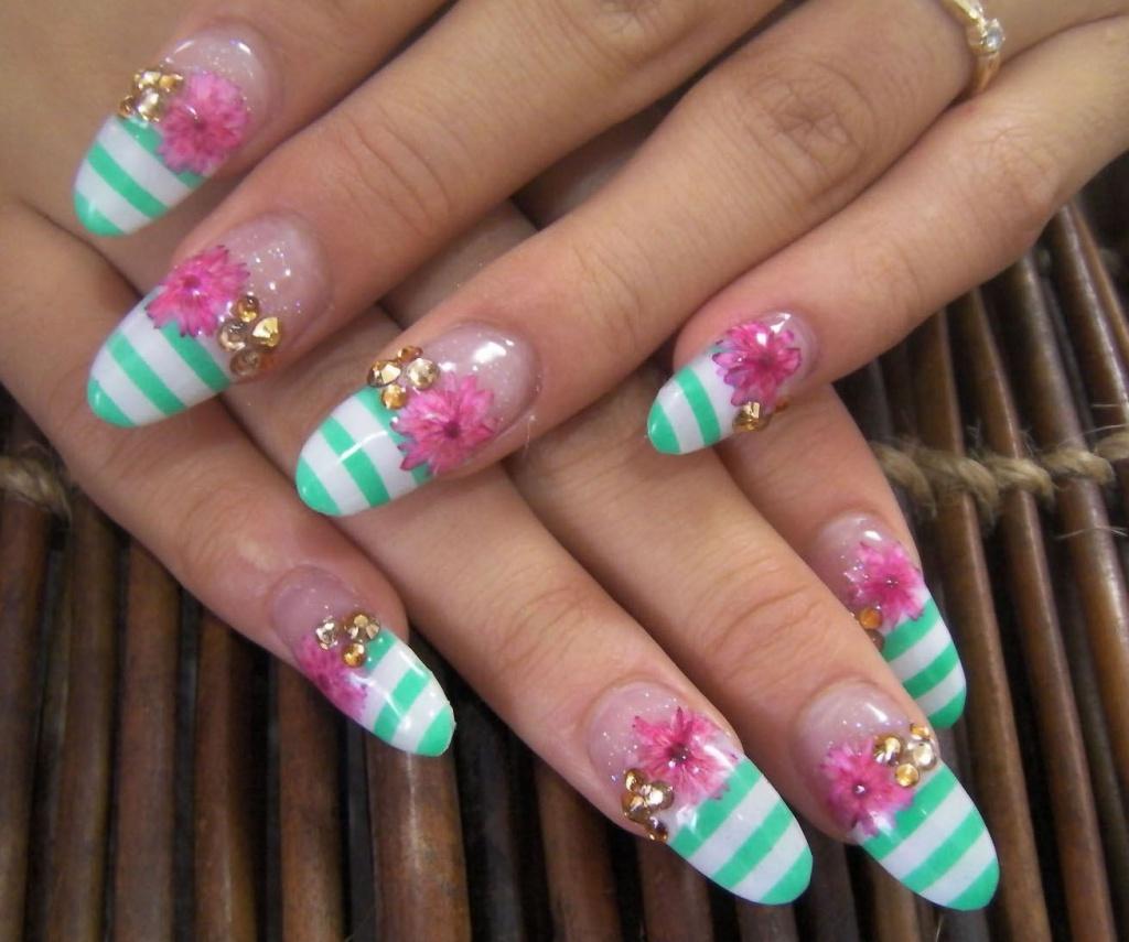 Образцы гелевых ногтей на лето