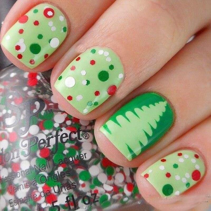 Зелёный рождественский маникюр