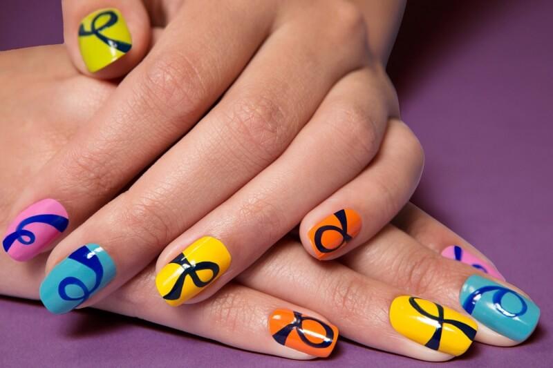 Молодёжный дизайн ногтей ко дню рождения